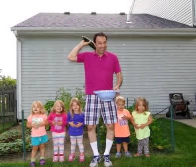 Papa and His Gardeners2